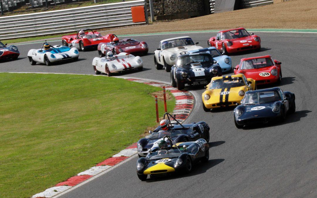 HSCC racers battle the heat at Brands Hatch