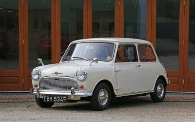 Time Warp 1968 Morris Minor for sale